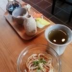 Cafe もりのおとわ - セットの素麺、ハーブ茶、卓上醤油・塩 2015.07.