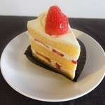 菓子工房ルスルス - 季節のショートケーキ(イチゴ)