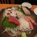 和田浜 - 刺身三点盛1,000円