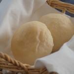 カフェ オリーブ - 木田製粉社 ヌーベルバーグ使用 自家製パン2個