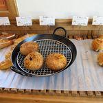 麦の穂 - 料理写真:店内商品棚1