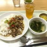 カラーズ - Jun,2015 豚肉のバジル炒め550円