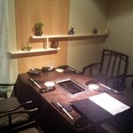 花 - 和をコンセプトにした個室で落ち着いた贅沢なお時間をお過ごしください。
