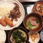 Tamoya - カキフライと牛焼肉