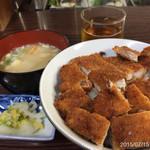 十銭食堂 - 十銭食堂秘伝の醤油タレ カツ丼630円d(^_^o)