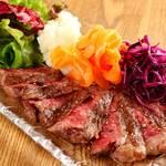 黒毛和牛ステーキは稀少部位28種類をご用意。