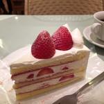 サンデーブランチ - 2015.7 苺のショートケーキ & コーヒー