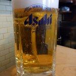やっこ - まずはこれからですよね。生ビールです。ぷふぁ~。昼から飲むお酒は最高ですよね。さあ、食べるぞ~。