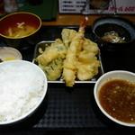 カラフル食堂 - 天ぷら(エビ・キス・イカ・野菜3品)
