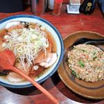 麻布十番 - チャーシューメンと焼飯