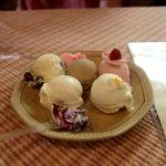 カフェeジェラート モアレ - 料理写真:五種盛り・・・もっと食べたい・・・