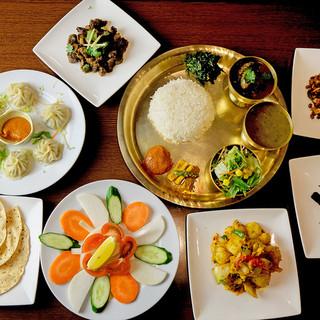 他では味わえないネパールのタカリ民族が作る、本格ネパール料理