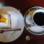 珈琲館 くすの樹 - 苺のショートケーキ、ブレンドコーヒー