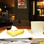 オスロコーヒー - 北欧ワッフル 、ホットコーヒー