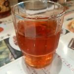 陳麻家 - 【2015.7.16(木)】テーブルにある無料の烏龍茶
