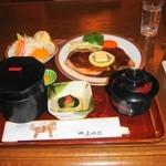 レストラン五明館 - 池波正太郎も愛したステーキ定食