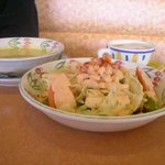 4162 - エビサラダとスープとカプチーノ食べました