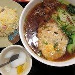 佳佳 - 牛肉麺セット