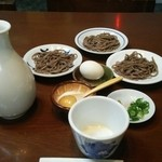 Sobafuji - そば藤さんのは黒っぽいお蕎麦です。