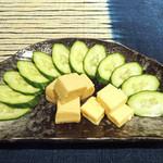 てげてげ - チーズと豆腐の味噌漬け