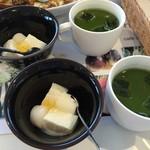 カフェ ド サラン - デザートとグリーンティーつき。