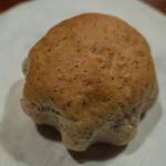 BREAD&DISHES MUGINOKI - 「ブルーベリーカスタード」(160円)。麦の木さんのこういうテイストも好き。