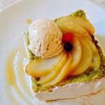 エイトジュール - 桃と紅茶のキューブケーキ