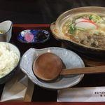 うどんのやすえ - 料理写真:すき焼き風 鍋焼きうどん+定食セット