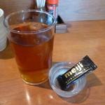 たま樹 - 最後にウーロン茶とチョコ