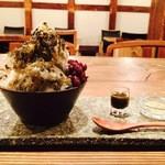 矢野善 - お茶屋さんのほうじ茶かき氷(抹茶と週替わり)