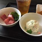 40016496 - 【マグロのぶつ切り】【ポテトサラダ】(各100円税込)