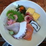 宴 - 料理写真:海鮮丼