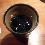 金魚 - 兼八(水割り) かなり香ばしい麦焼酎