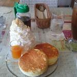 40028410 - 基本のパンケーキ マンゴーソース