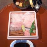 40028732 - 蔵Pura(岡山県倉敷市)                       返し寿司(単品)2100円〜ひっくり返して蓋を開けると豪華寿司