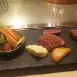 サカナザ - 近江牛と野菜の鉄板焼き