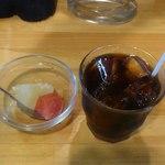 コシード - 食後のデザートとアイスコーヒー