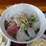 和料理 まつもり - 本日のお丼は鮪と平目