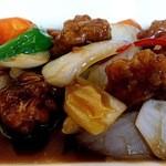 北京料理 彩鳳 - 黒酢酢豚です