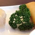 北京料理 彩鳳 - シユウマイと春巻きです