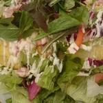 ポムの樹 - ベーコンと野菜サラダのオムライス(ドライカレー)  たまにこれが恋しくなります(笑)