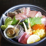 吟 - 臼杵活き海鮮丼