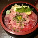 海鮮山鮮 武蔵 万風 - 鉄火丼