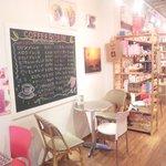 珈琲豆屋 ROBIN - かわいいお店です!!