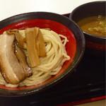 山岸一雄製麺所 - つけ麺(並690円)