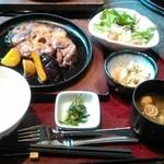 魚魯魚魯 - 鮪尾の身ステーキ御膳1100円