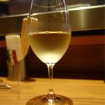 トラットリアバール イルピアット - グラス白ワイン