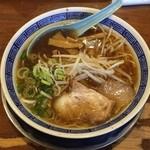 陽香屋 - 料理写真:醤油ラーメン