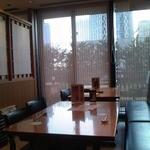 さがみ - 店内 テーブル席