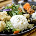 デチビカ - 海南鶏飯 Vegan